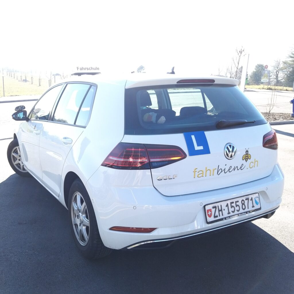Fahrschulauto VW Golf